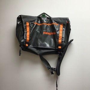 Patagonia orange crossbody briefcase laptop bag